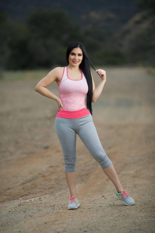 ed2939620700e Diamante Women's Power Flex Yoga Pant Legging Sportswear · Capri · Style  C010A